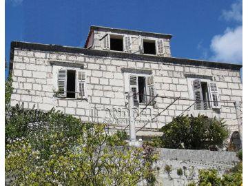 Maison en pierre, Vente